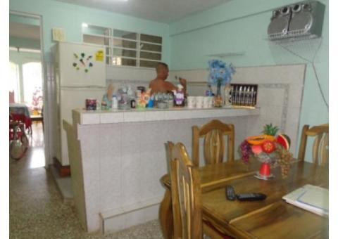 VENTA DE CASA MODERNA Y CENTRICA EN GUINES .MAYABEQUE