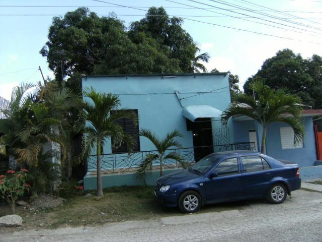 VENDO CASA EN GUANTANAMO
