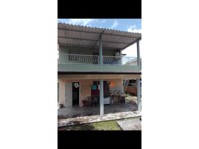 Vendo o permuto  casa independiente de 2 plantas en el Reparto Bahía.