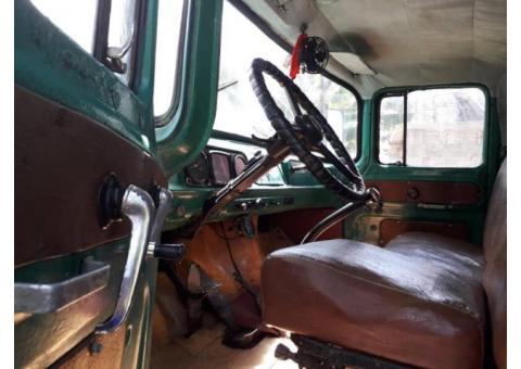 Camion de carga/ Pasajeros ZIL 130 V8