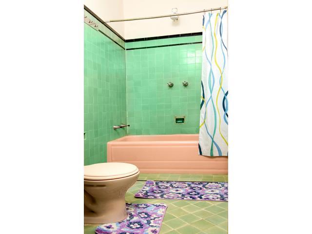 Se vende casa de 5/4 y 3 baños cent habana 78782460 Ana o Jorge