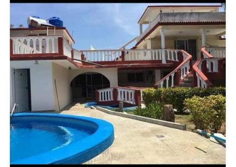 Se vende espectacular casa en Cojimar con Piscina