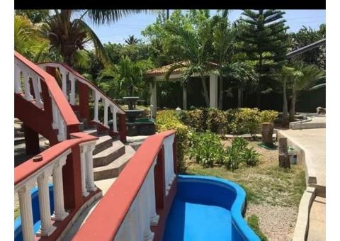 Venta de preciosa casa con piscina en Cojimar